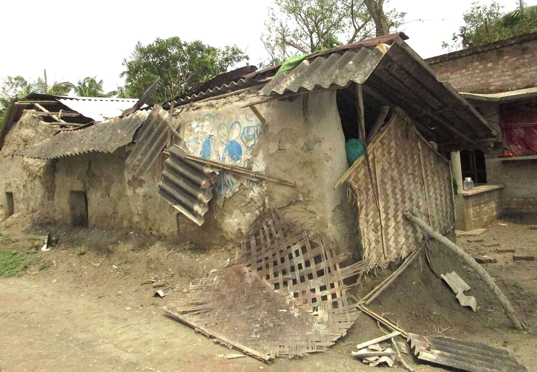 Husets tag er ødelagt